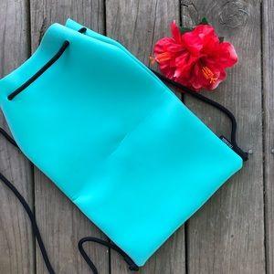 FREE Triangl Neoprene Drawstring Bag Teal